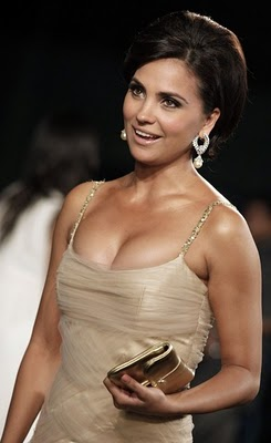 http://tigerstylemicky.files.wordpress.com/2010/06/lara-dutta3.jpg
